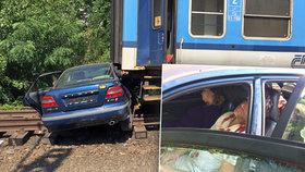 Hazard se životem: Takhle můžete dopadnout na železničních přejezdech, varuje SŽDC