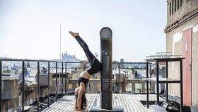 Kobza otevírá střechu Lucerny jogínům. Přijďte si ráno zacvičit, zve Pražany
