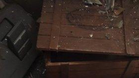 Nebezpečné překvapení v Libni: V bytě se povaloval ruční granát! Ujal se ho pyrotechnik