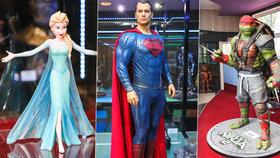 Hollywoodští hrdinové dorazili do Prahy! Vetřelec, Superman i Elsa se předvádějí na Palmovce