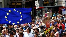 Mohutný proevropský pochod v Londýně: Lidé odmítají brexit, chtějí nové referendum