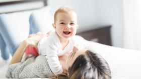 Jak stáří rodičů ovlivňuje zdraví dítěte? Čím vyšší věk matky, tím vyšší rizika!