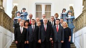 Ministři jedou na teambuilding. Babiš pro ně má na zámku příjemnou zprávu