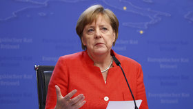 Bruselská dohoda o migrantech nestačí. Merkelová řekla, kde je háček
