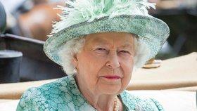 Královna Alžběta II. v šoku: Muž, kterému se svěřovala, podivně zemřel