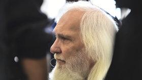 V převlečení za policistu přepadl na Zličíně dodávku s penězi: Lupič u Ústavního soudu neuspěl, odsedí si 25 let
