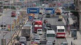 Kde všude to v Praze na silnicích vázne? Podívejte se na výčet uzavírek
