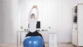 Účinné cviky do kanceláře! Za pár minut denně posílíte celé tělo a zbavíte se únavy