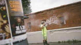 Prahu 5 trápí sprejeři: Napáchané škody jdou do milionů