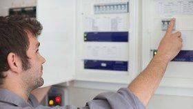 Firma začala upozorňovat na energetické šmejdy. Sama ale čelí pokutě