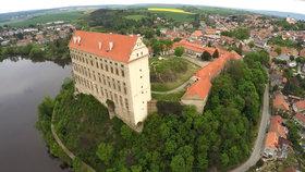 Sen šíleného architekta: O podivném zámku v Plumlově veršoval i Bezruč!