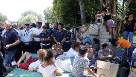 Italové vyklidili romský tábor se 400 lidmi. Evropskému soudu navzdory