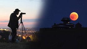 Rudý Měsíc okouzlil svět. I v Česku se při nebeské show místy roztrhaly mraky
