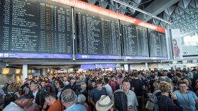 Hodiny zdržení. Evakuaci na letišti ve Frankfurtu má na kontě francouzská rodina