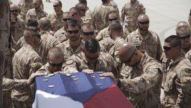 Češi v Afghánistánu: Černochová odmítla zabijácká komanda, výbor hájil operaci