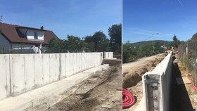 FOTO: Protipovodňová zeď v Radotíně roste: Stavba za 53 milionů má první stěny i sítě