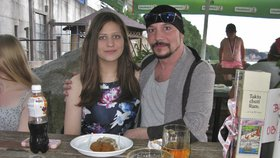 Fantom opery Matuš (44) sbalil patnáctiletou. Krásná holčička, rozplývá se