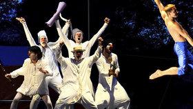 VIDEO: Ječení hrůzou, smích i obrovský aplaus! Letní Letná přivezla špičky světového cirkusu