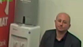 Podvodníci zfalšovali dokumenty a připravili ženu o firmu a 10 milionů: Policisté po nich pátrají