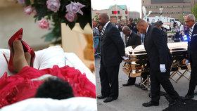 Za královnu i na pohřbu: Tělo zpěvačky Arethy Franklin (†76) je na dva dny vystavené v rakvi ze zlata