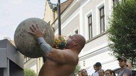"""Tak to je """"síla""""! V Praze 9 budou svalovci zvedat těžká břemena nebo tahat kamion"""