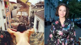 Nestydatá Berenika Kohoutová za hranicí: Na balkoně vyšpulila knoflíček s červenou nitkou