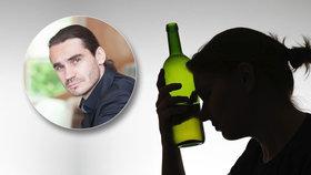 """Pijí tajně, pomoci se vyhýbají. Alkoholiček přibývá, nejvíc je """"zelených vdov"""""""