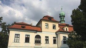 Do osudu veleslavínského zámku se vložilo ministerstvo kultury. Připadne památka Praze?