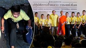 Z kláštera rovnou na párty: Vysvobození fotbalisté se v Thajsku setkali se svými zachránci