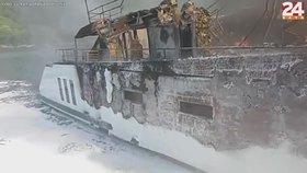 Luxusní jachta shořela v Chorvatsku přímo během plavby. Škoda půjde do milionů
