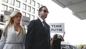 Lhal o vyšetřování ruského vlivu. Trumpův bývalý člen štábu vyfasoval 14 dní za mřížemi