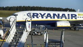 Cestujícím povolili zdarma jen malou tašku. Aerolinky čelí v Itálii vyšetřování