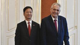 Zeman měl na Hradě čínskou návštěvu. Nové ambasadory má i Norsko a Finsko