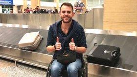 Invalida si chtěl vzít do letadla vozík. Aerolinka na něj zavolala policii