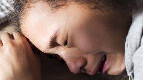 Dívka (15) zabila řidiče autobusu, který ji chtěl znásilnit: Propustili ji z vazby