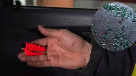 VIDEO: Rozbijte okénko auta jako profíci! U záchrany života rozhodují sekundy