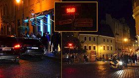 Do Dlouhé vjezd zakázán! Praha 1 kvůli boji s hlukem omezí dopravu, ulici budou hlídat policisté