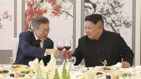 Nejdřív na ně chtěl hodit atomovku, teď chce po 60 letech návštěvu: Kim zamíří do Soulu