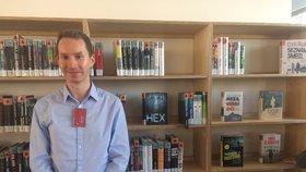 Nelehký úděl knihovníka: Občas do knihovny zavítají lidé, kteří chtějí škodit, říká Jakub (29)