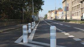 U Hlávkova mostu finišují dopravní úpravy: Mají ukončit agresivní průjezdy aut