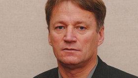 Zastupitel Jirkova pokousal údajně strážníka: Měl jen malou ranku, brání se