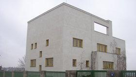 Vánoce pro milovníky architektury: V Praze 5 budou vystavovat fotografie Loosových staveb