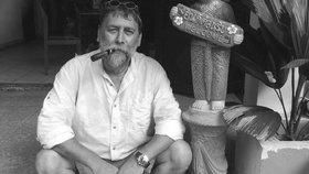 Další předčasná smrt v Černých ovcích: Zemřel redaktor Jan Kiss (†57)! Budeš nám scházet Honzo, pláčou kolegové