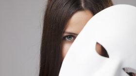 Co tajně skrýváte podle znamení? Panny svou druhou tvář, Střelci extrémní žárlivost!