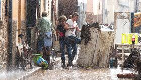 Středozemí čekají další extrémní deště. Dovolenkové ráje se chystají na katastrofu