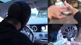 Nechutná zábava zlaté mládeže z Ruska: Peníze hází po lidech z jedoucí limuzíny