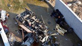 Náklaďák s migranty v Turecku spadl do kanálu. Zemřelo 22 lidí včetně dětí