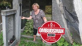 Liknavost úředníků stopnul až Ombudsman Blesku! Zničený náhrobek paní Vlastě (63) firma opraví