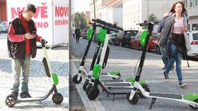Sdílená vozítka mají pravidla jen na odkliknutí: Koloběžky ohrožují Pražany!