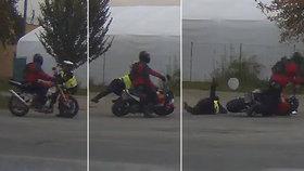 Zfetovaný motorkář na Šumpersku srazil policistku: Hrozí mu šest let ve vězení